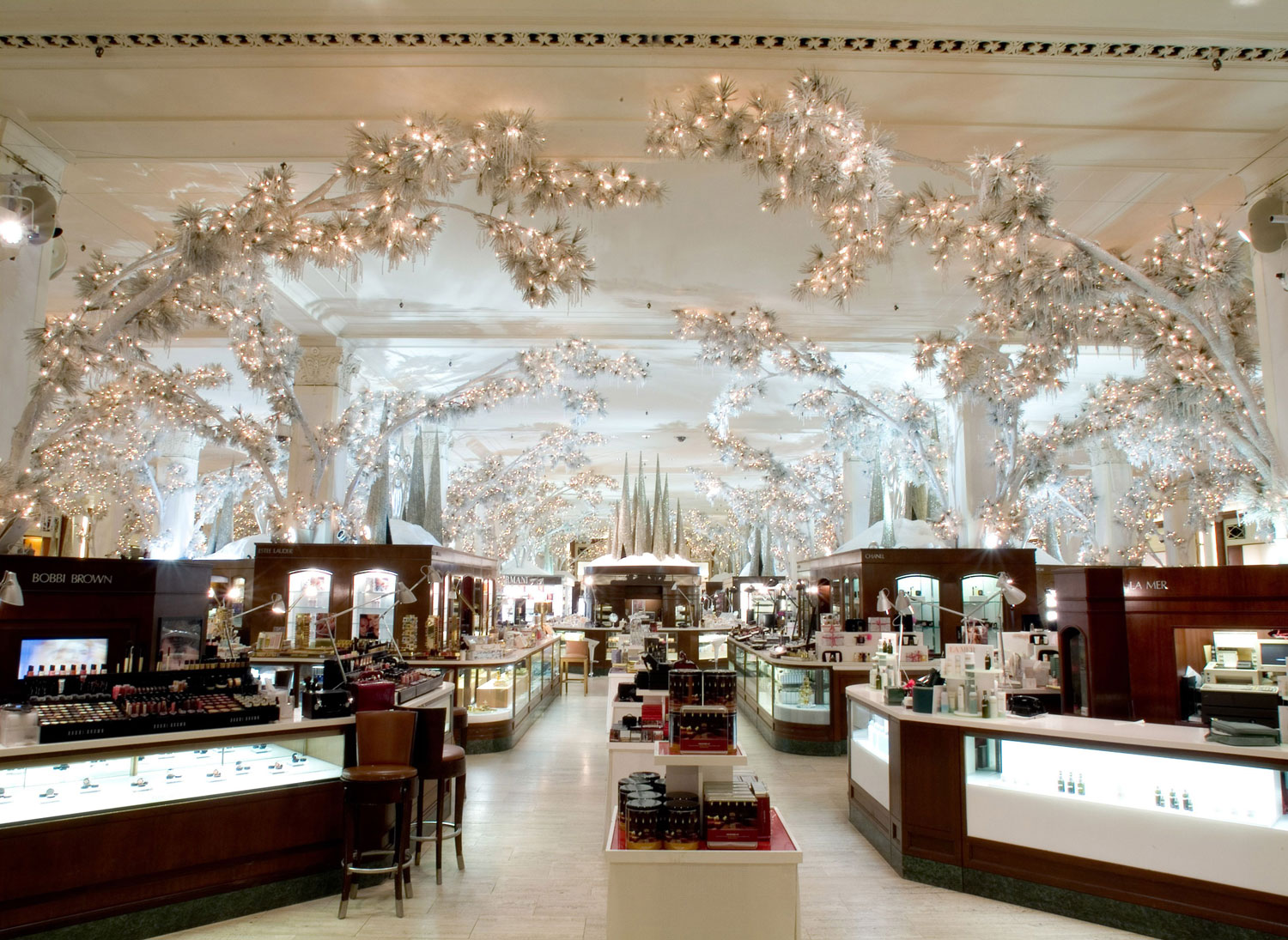 02- Saks Fifth Avenue Interior