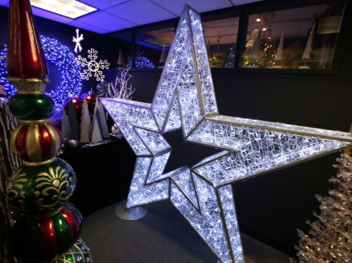 american-christmas-showroom