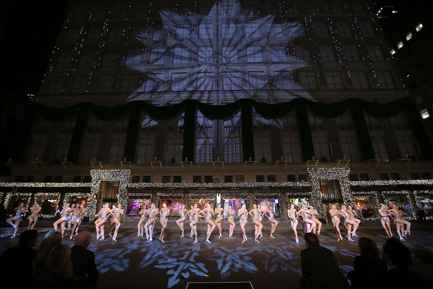 saks-fifth-avenue-enchanted-experience-opening-night
